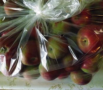 Macintoshappleshalfbushel