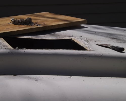 Roof vent opening